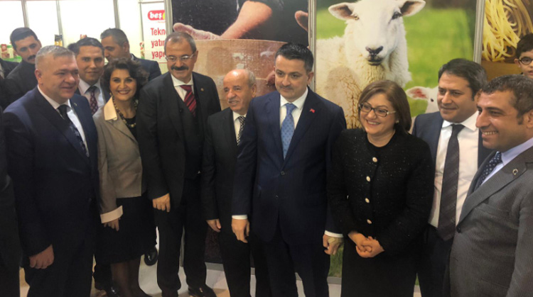 FOOD MINISTER VISITED BESLER GROUP STAND